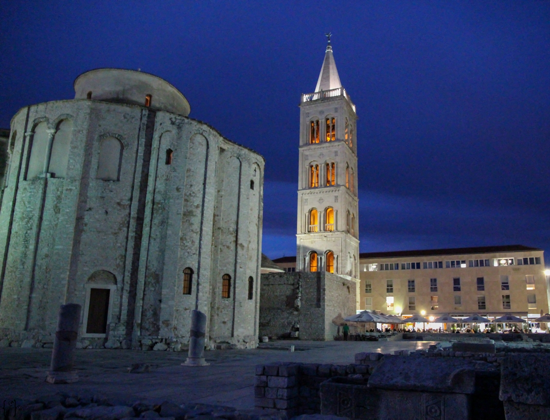 14 Forum Zadar at night