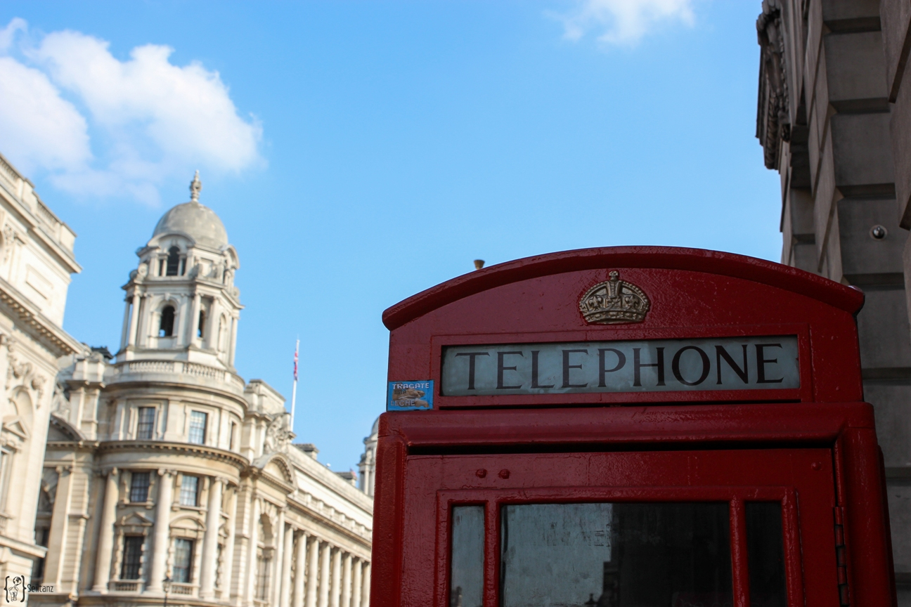 15Typical-Tourist-Telephone