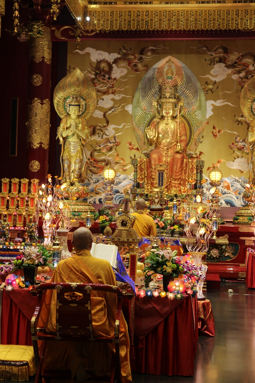 18 Buddha Tooth Relic Temple