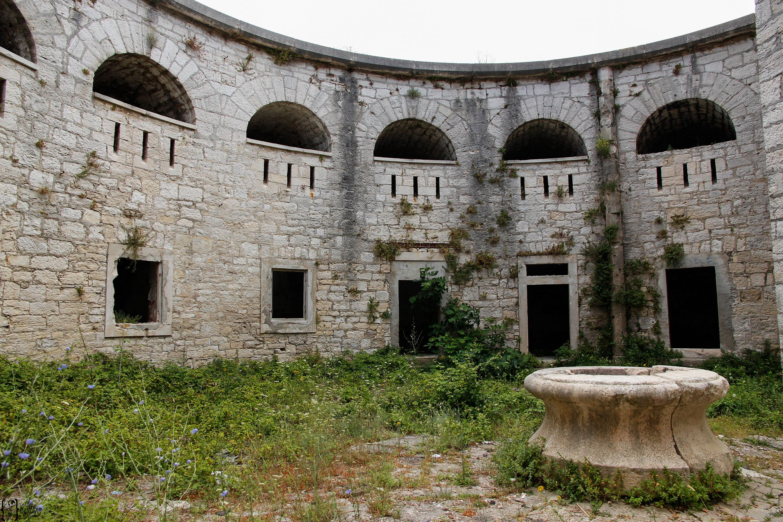 4 abandoned place pula