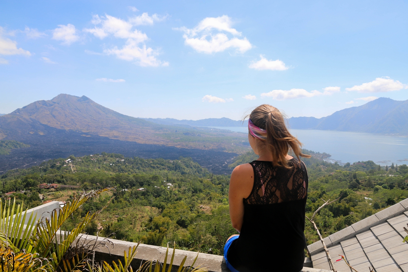 14 View to Batur