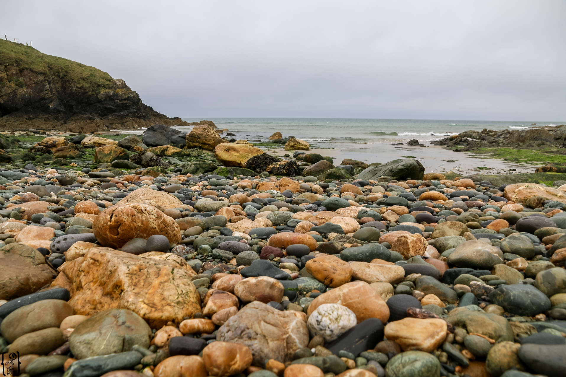 Die Cable Bay auf der Insel Anglesey